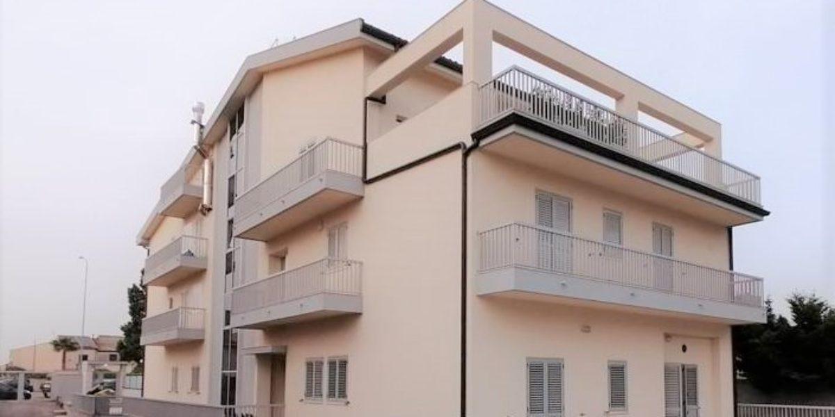 appartamento seminuovo con ampia veranda