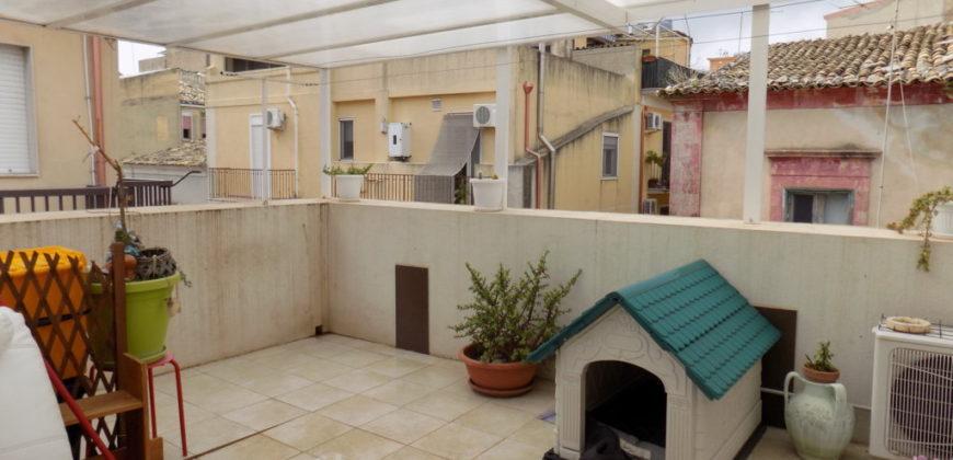 casa singola ristrutturata con veranda