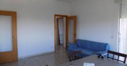 appartamento con terrazzino
