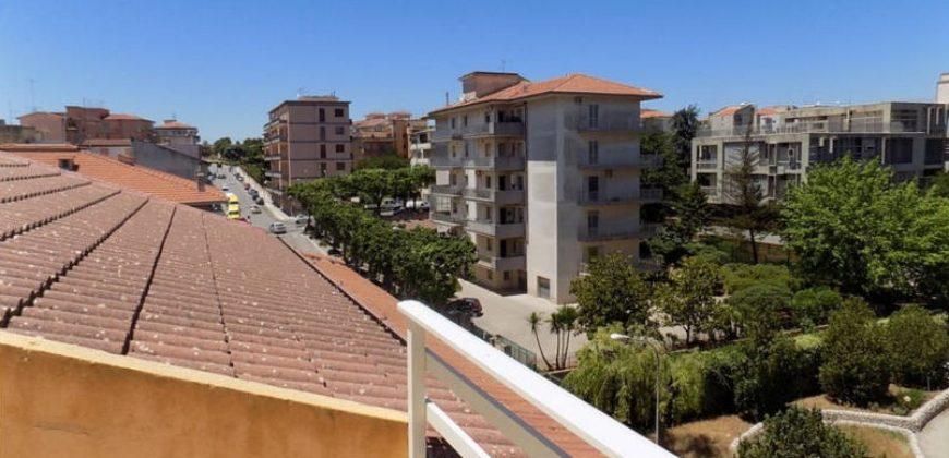 appartamento mansardato con terrazzino