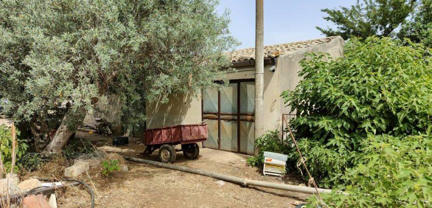 casa di campagna e terreno